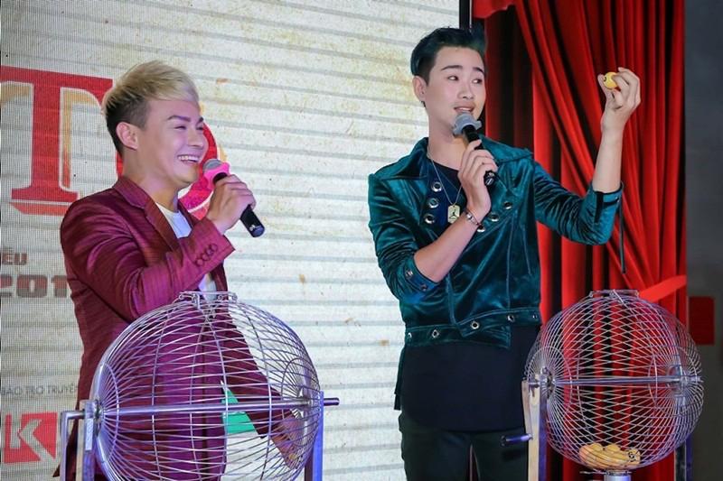 Sao Việt nô nức chúc mừng dàn diễn viên phim Lô tô - ảnh 9