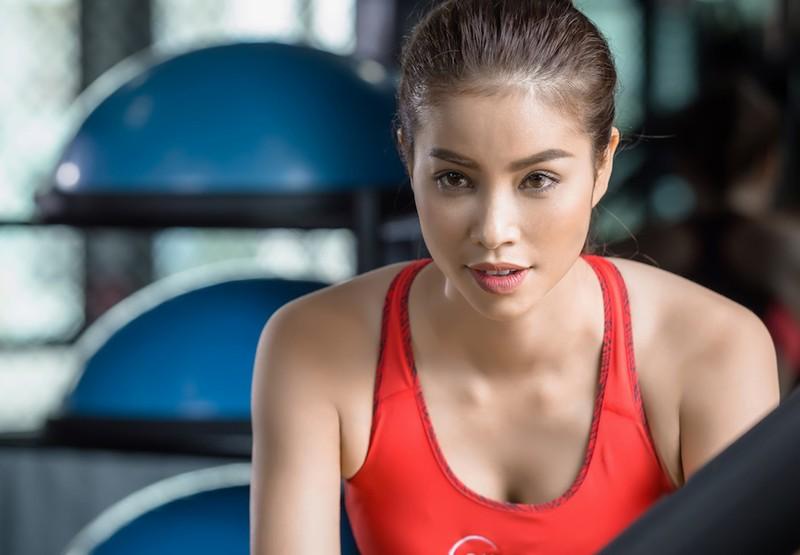 Hoa hậu Phạm Hương tự ti với ngoại hình - ảnh 4