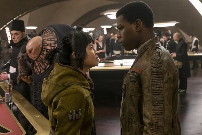 Cô gái nghe điện thoại gốc Việt vào đóng Star Wars - ảnh 1
