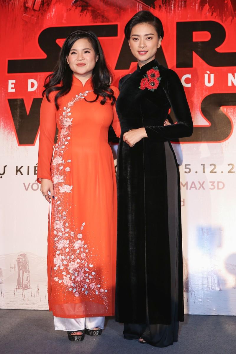 Cô gái nghe điện thoại gốc Việt vào đóng Star Wars - ảnh 3