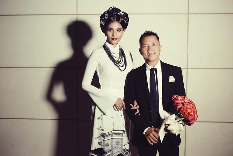 Hương Lan, Ngọc Huyền về nước trình diễn thời trang - ảnh 3