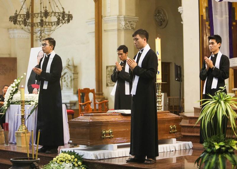 Phó Thủ tướng Trương Hòa Bình viếng lễ tang Đức Tổng - ảnh 5
