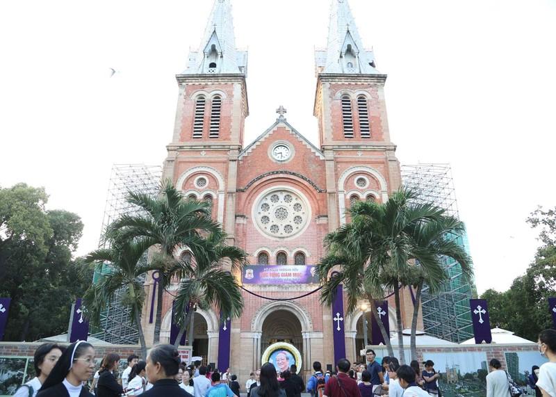 Phó Thủ tướng Trương Hòa Bình viếng lễ tang Đức Tổng - ảnh 10