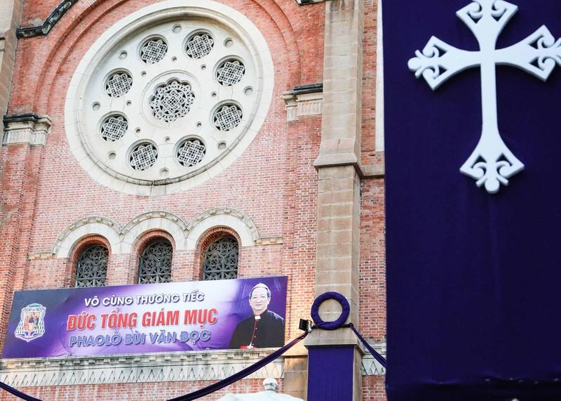 Phó Thủ tướng Trương Hòa Bình viếng lễ tang Đức Tổng - ảnh 9
