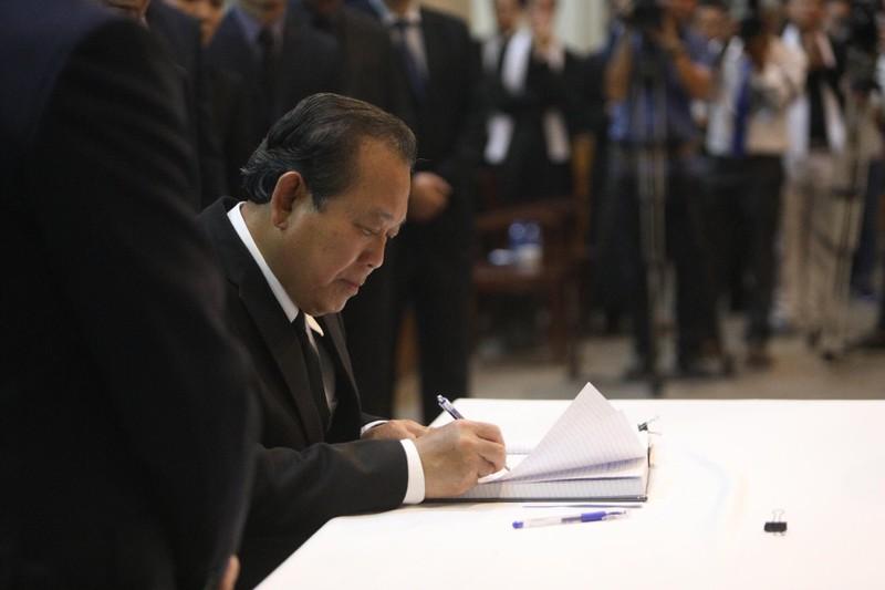 Phó Thủ tướng Trương Hòa Bình viếng lễ tang Đức Tổng - ảnh 2