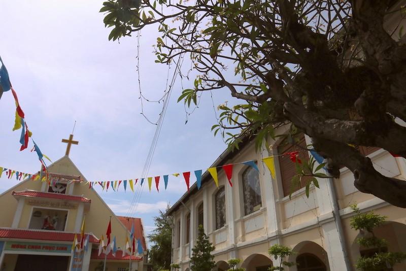 Cận cảnh nhà thờ, nhà dòng Thủ Thiêm gần 180 tuổi - ảnh 3