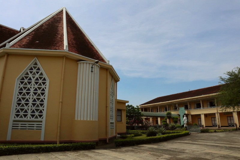 Cận cảnh nhà thờ, nhà dòng Thủ Thiêm gần 180 tuổi - ảnh 8
