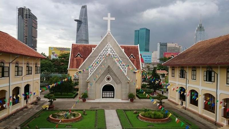 Cận cảnh nhà thờ, nhà dòng Thủ Thiêm gần 180 tuổi - ảnh 6
