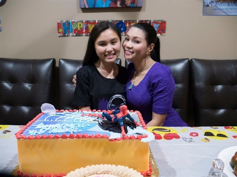 Con gái 15 tuổi của Ngọc Huyền được cấp phép diễn cùng mẹ - ảnh 6