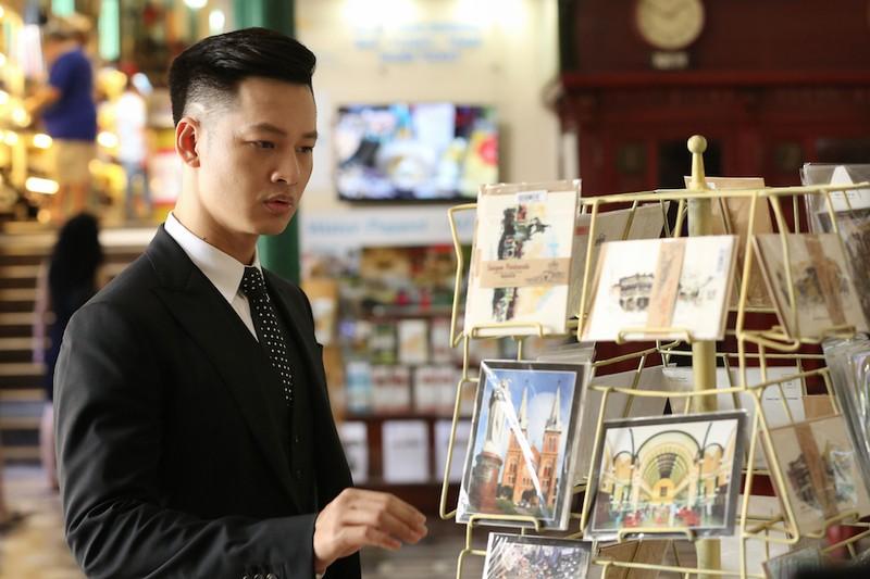 Ca sĩ đầu tiên quay hình bên trong Bưu điện trung tâm Sài Gòn - ảnh 1
