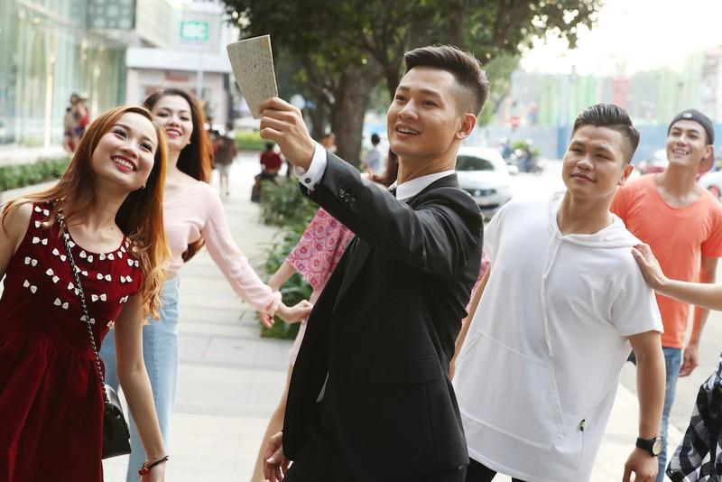 Ca sĩ đầu tiên quay hình bên trong Bưu điện trung tâm Sài Gòn - ảnh 6
