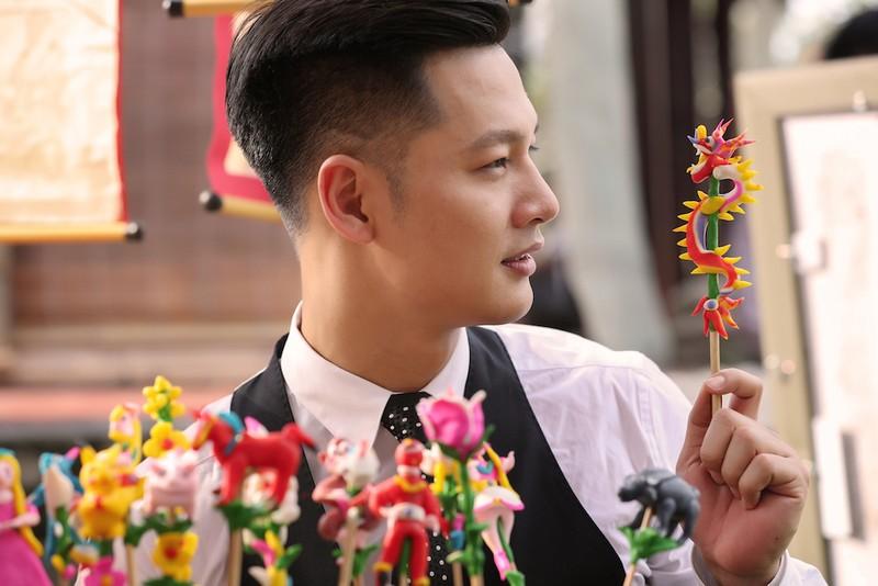 Ca sĩ đầu tiên quay hình bên trong Bưu điện trung tâm Sài Gòn - ảnh 4