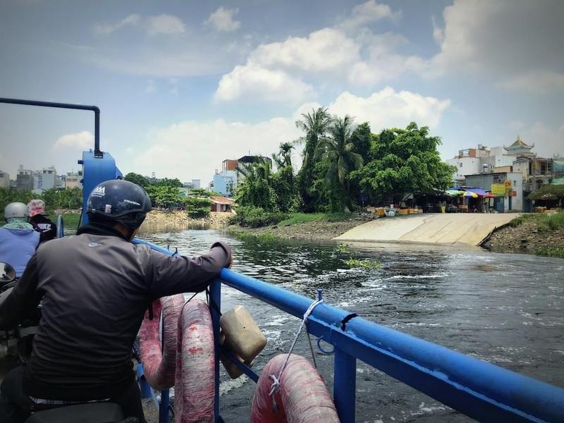 Từ giã đò ngang, những chuyến phà cũng dần xa Sài Gòn - ảnh 2