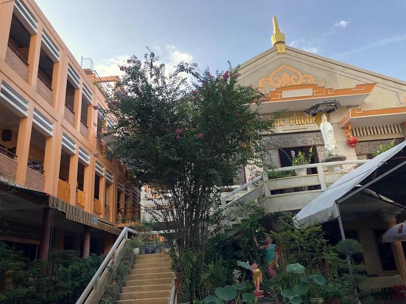 'Hẻm Phật' giữa lòng Sài Gòn - ảnh 2