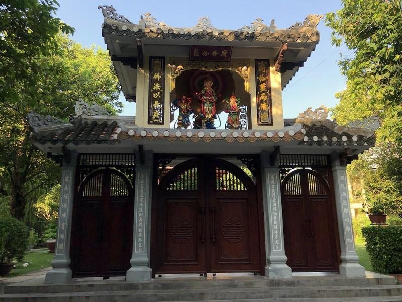 'Hẻm Phật' giữa lòng Sài Gòn - ảnh 5