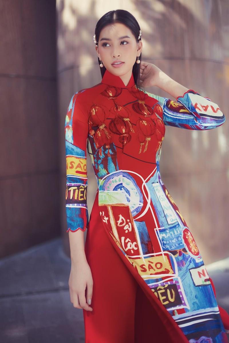 Ngắm hoa hậu Tiểu Vy dịu dàng trong áo dài về Sài Gòn - ảnh 3