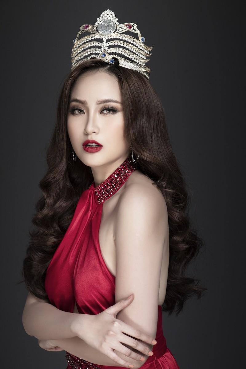 Khánh Ngân sexy tìm kiếm Nữ hoàng golf Việt Nam 2020 - ảnh 1