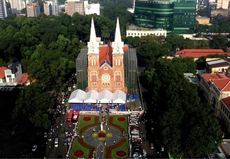 Đức cha Giuse Nguyễn Năng chính thức nhận Tổng giáo phận TPHCM - ảnh 1