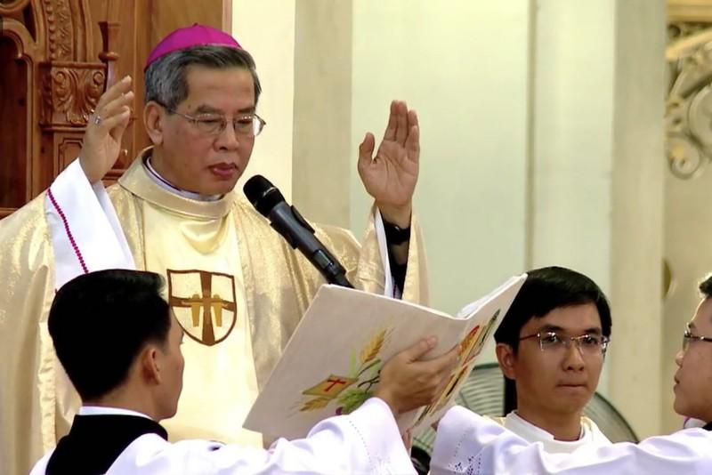 Đức cha Giuse Nguyễn Năng chính thức nhận Tổng giáo phận TPHCM - ảnh 7