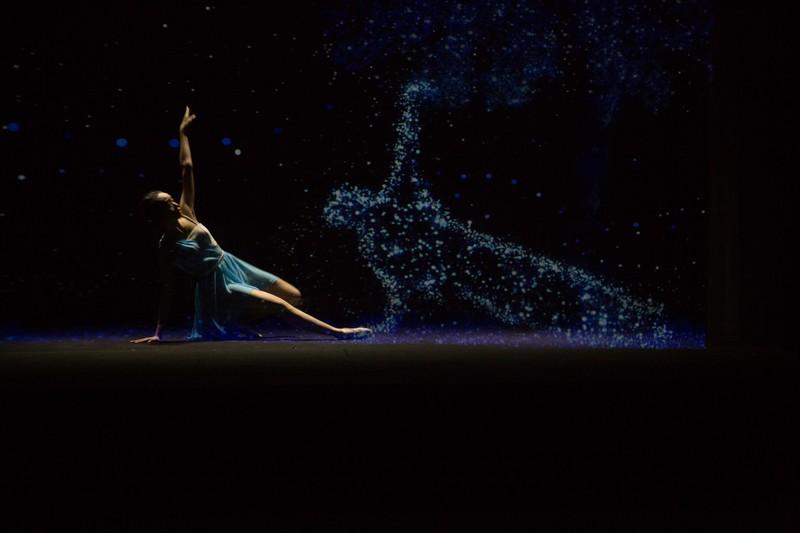 Người dânTP.HCM được trải nghiệm sân khấu hologram, 3D Mapping - ảnh 1