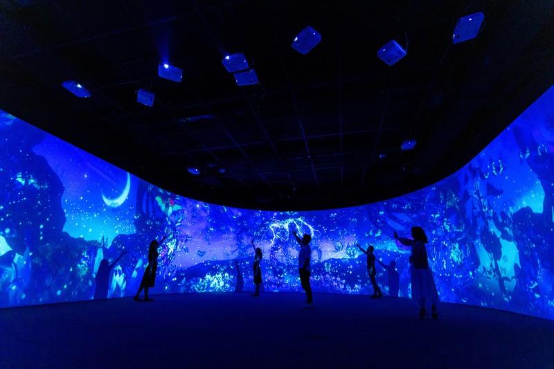 Người dânTP.HCM được trải nghiệm sân khấu hologram, 3D Mapping - ảnh 4