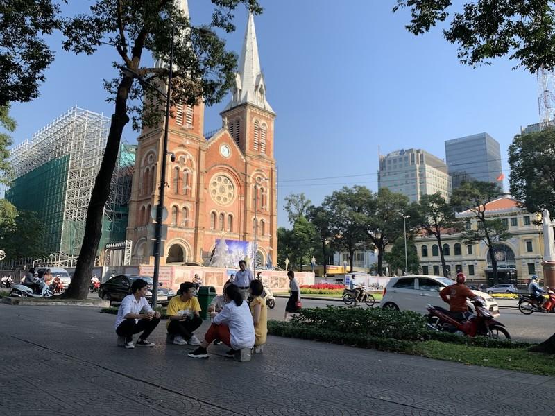 Vì an toàn, nhà thờ Đức Bà Sài Gòn ngưng đổ chuông - ảnh 1