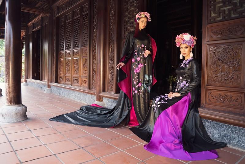 Minh Tú, Ngân Khánh lạ lẫm với áo dài lụa, lãnh truyền thống - ảnh 10