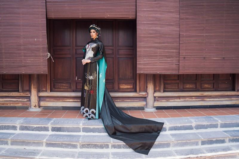 Minh Tú, Ngân Khánh lạ lẫm với áo dài lụa, lãnh truyền thống - ảnh 11