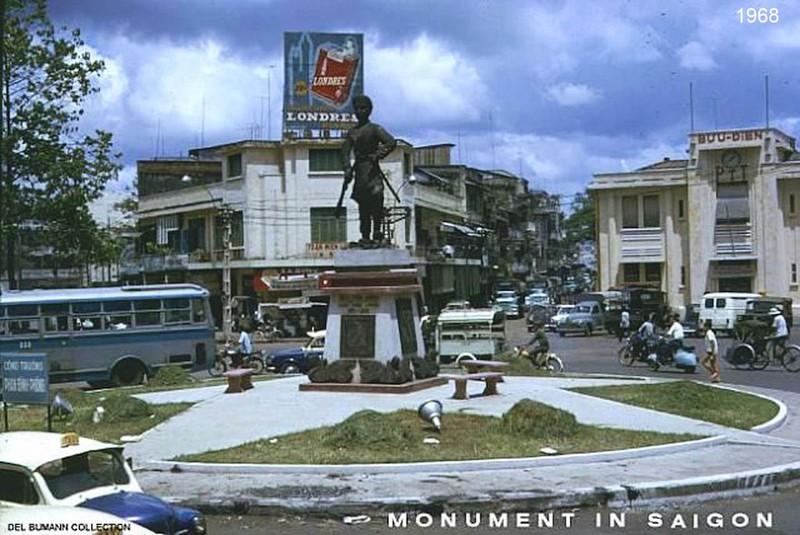 Tượng Phan Đình Phùng ở Sài Gòn vào phim Mỹ - ảnh 3