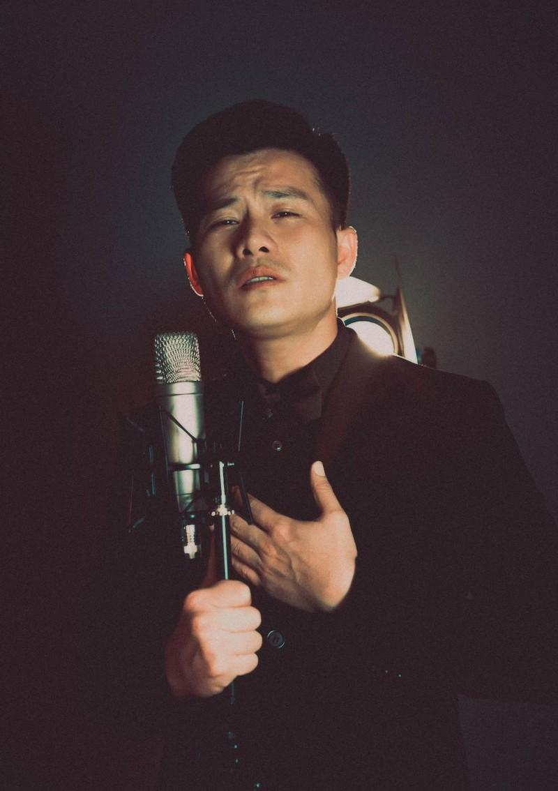 Bác sĩ Minh Đức và ca sĩ Duy Long làm MV trong dịch COVID-19 - ảnh 1