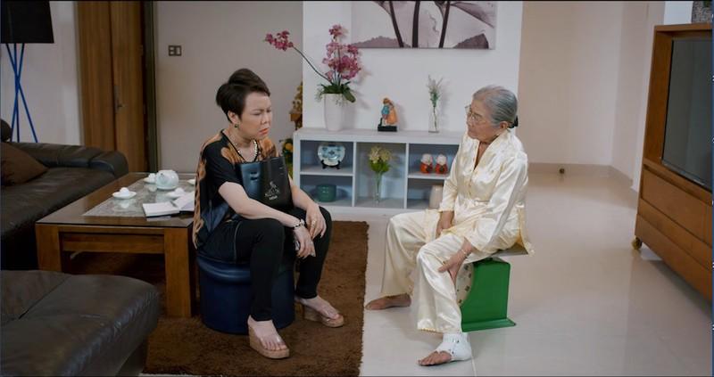 Việt Hương chửi như hát, ép mẹ tập tạ trên YouTube - ảnh 3