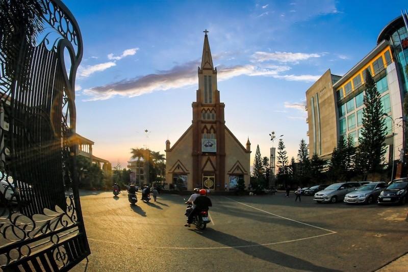 Đồng Nai: Giáo phận Xuân Lộc tạm ngưng Thánh lễ cộng đồng - ảnh 2