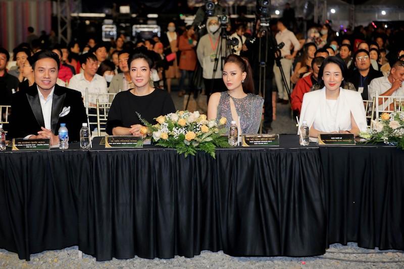 2 thí sinh rút trước thềm bán kết Hoa khôi Du lịch Việt Nam - ảnh 1
