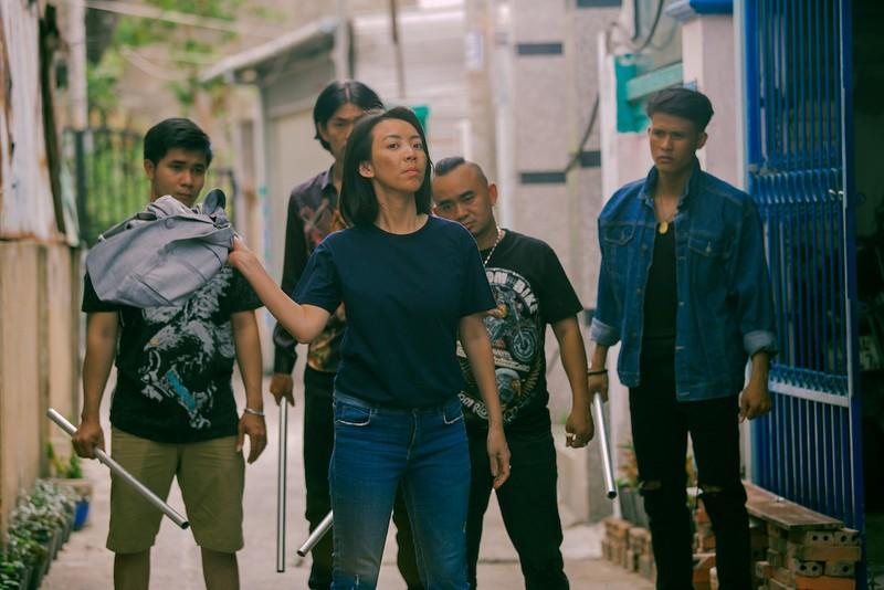 Bị kẻ thù bao vây, Thu Trang bất ngờ 'bật' lại - ảnh 1