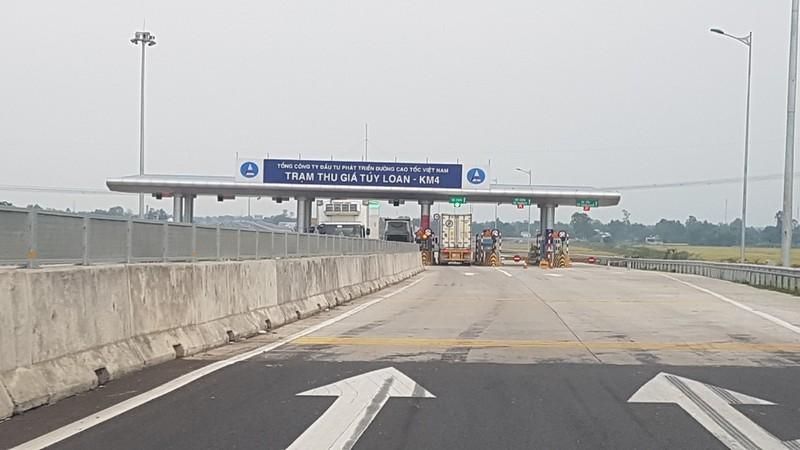 Cao tốc Đà Nẵng-Quảng Ngãi vẫn chưa thông xe đúng hẹn - ảnh 1