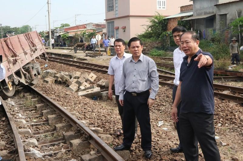 Bộ trưởng GTVT yêu cầu xem xét trách nhiệm tai nạn đường sắt - ảnh 1