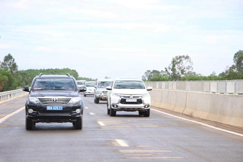 Cao tốc Đà Nẵng-Quảng Ngãi hơn 34.000 tỉ đồng sắp thông xe - ảnh 2