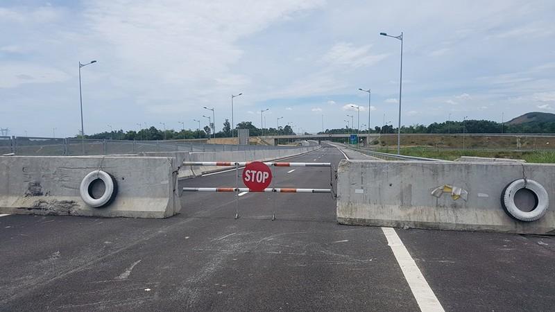 Cao tốc Đà Nẵng-Quảng Ngãi trước giờ thông xe toàn tuyến - ảnh 3