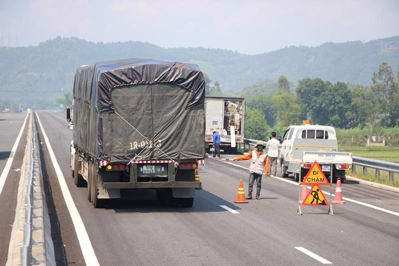 15 giờ hôm nay hoàn thành sửa chữa cao tốc Đà Nẵng-Quảng Ngãi - ảnh 7