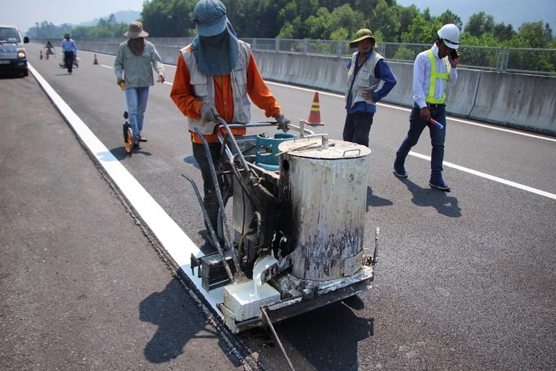 15 giờ hôm nay hoàn thành sửa chữa cao tốc Đà Nẵng-Quảng Ngãi - ảnh 1