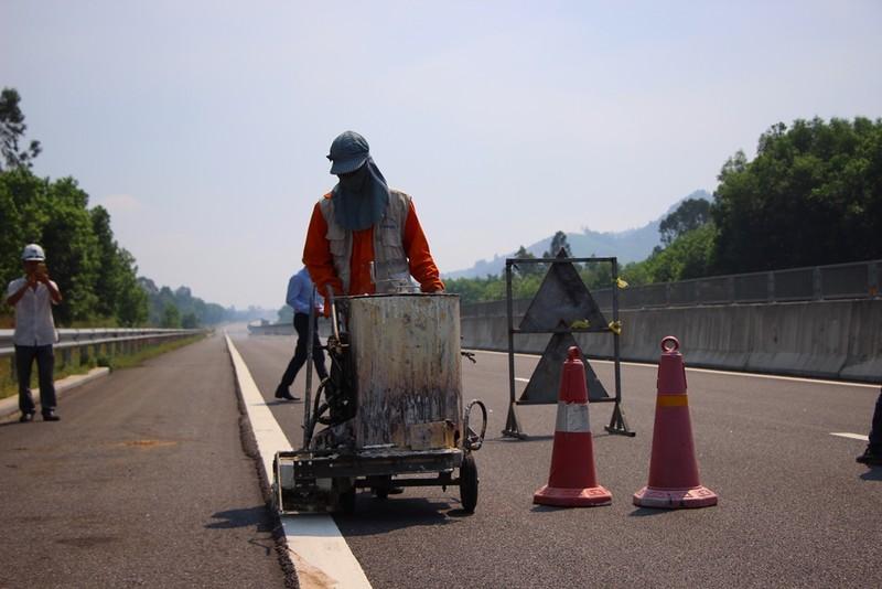 15 giờ hôm nay hoàn thành sửa chữa cao tốc Đà Nẵng-Quảng Ngãi - ảnh 3