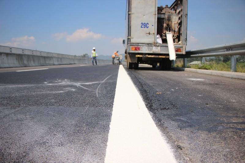 15 giờ hôm nay hoàn thành sửa chữa cao tốc Đà Nẵng-Quảng Ngãi - ảnh 2