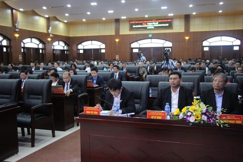 Chủ tịch Đà Nẵng: Chúng tôi phải 'giơ đầu chịu báng' rất nhiều - ảnh 2