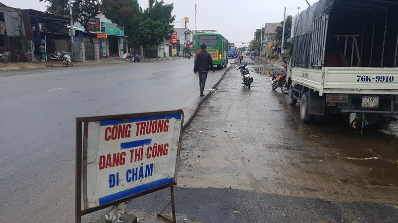 Quốc lộ 1 qua Quảng Ngãi lại tiếp tục xin gia hạn  - ảnh 1