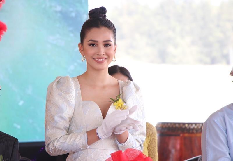 Hoa hậu Tiểu Vy rạng ngời trong lễ khởi công resort 1.900 tỉ  - ảnh 2
