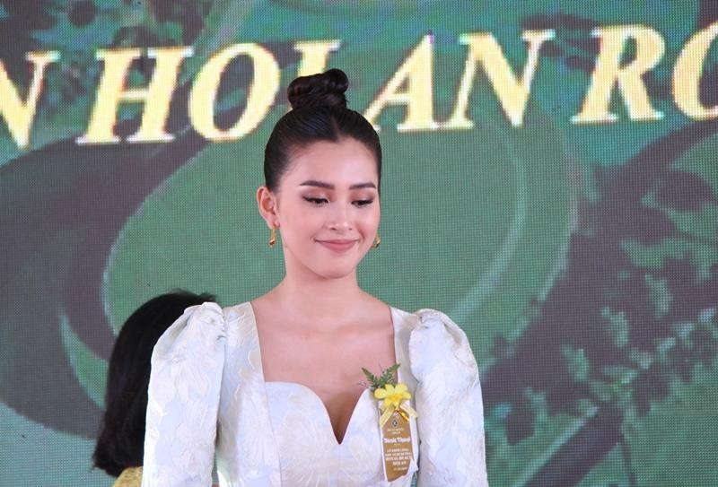 Hoa hậu Tiểu Vy rạng ngời trong lễ khởi công resort 1.900 tỉ  - ảnh 4