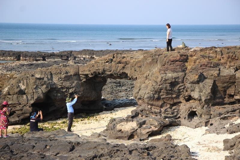 Nỗ lực đưa Lý Sơn - Sa Huỳnh thành Công viên địa chất toàn cầu - ảnh 1