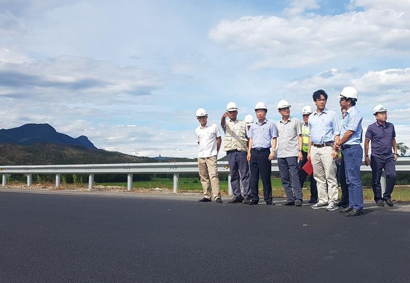 Hằn lún cao tốc Đà Nẵng-Quảng Ngãi, đề nghị cân tải trọng xe - ảnh 1