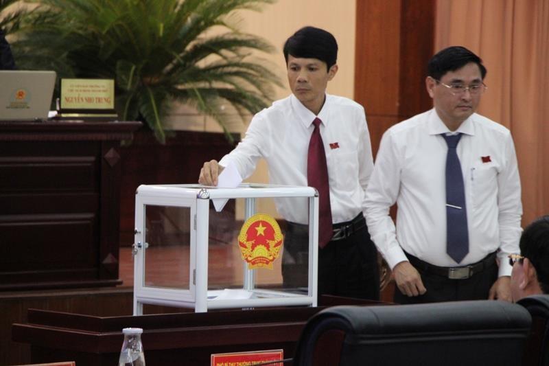 Ông Nguyễn Bá Cảnh chính thức thôi là đại biểu HĐND TP Đà Nẵng - ảnh 1