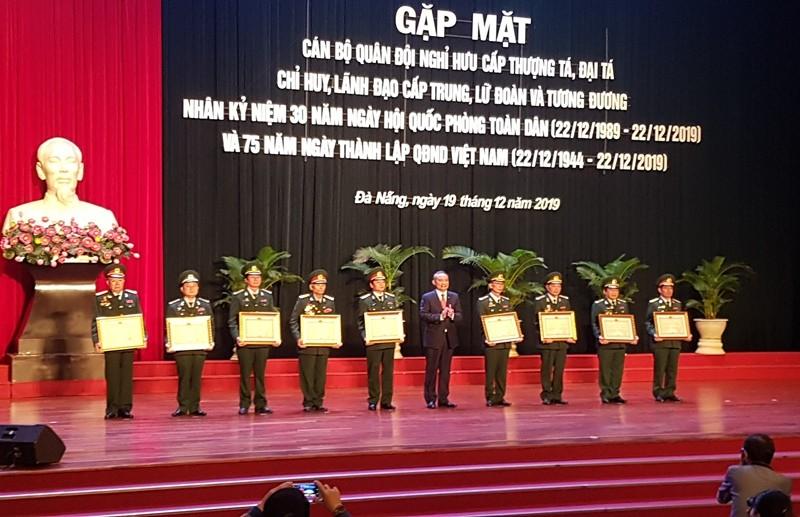 Lãnh đạo Đà Nẵng gặp 2.000 cấp tá quân đội nghỉ hưu - ảnh 2